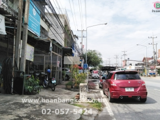 01618, ขาย อาคารพาณิชย์ 2.5 ชั้น เนื้อที่ 20 ตรว. ถนน เทศบาลเมืองสุพรรณ อยู่ใจกลางเมืองสุพรรณ ทำเลดีมาก
