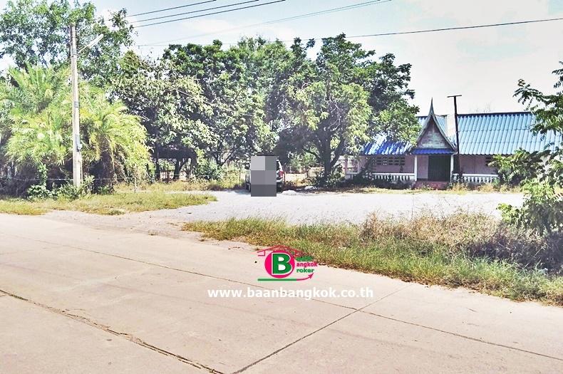 ที่ดินเปล่า ตรงข้ามไปรษณีย์ไทยสระกระโจม เนื้อที่ 5 ไร่ 2 งาน ถนนสระกระโจม-ดอนเจดีย์ อ.ดอนเจดีย์ จ.สุพรรณบุรี