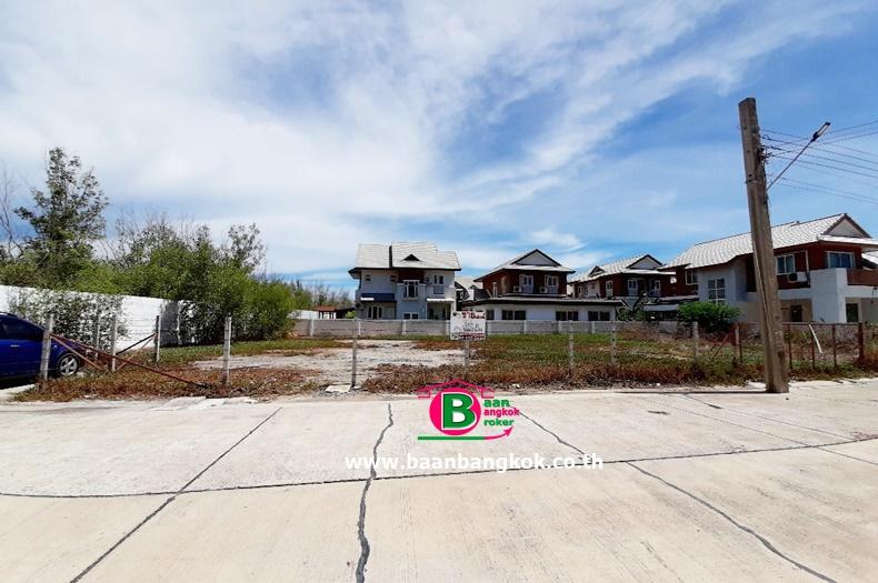 ที่ดินถมเเล้ว โครงการ 180 บางปู เนื้อที่ 164 ตรว. ถนนสุขุมวิท อ.เมือง จ.สมุทรปราการ