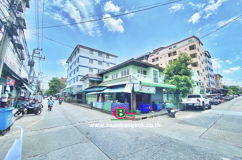 บ้านเดี่ยวแถมห้องเช่า 2 ชั้น หลังมุม โครงการ ดอนเมืองพัฒนา เนื้อที่ 145 ตรว. มี 4 ห้องนอน 2 ห้องน้ำ ถนนพหลโยธิน ลำลูกกา ปทุมธานี