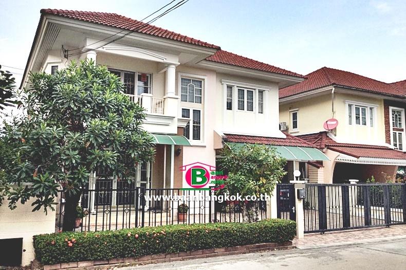 บ้านเดี่ยว 2 ชั้น โครงการ นาราวัลย์ เนื้อที่ 61 ตรว. มี 3 ห้องนอน 3 ห้องน้ำ ถนนพัฒนาการ สวนหลวง