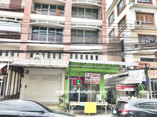 03375, อาคารพาณิชย์ 4 ชั้น ซอยรามคำเเหง 164 หลังริม เนื้อที่ 30 ตรว. มี 3 ห้องนอน 4 ห้องน้ำ ถนนรามคำเเหง มีนบุรี