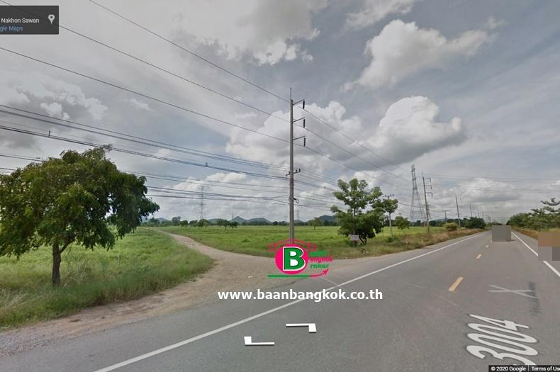 ที่ดินแปลงใหญ่ ใกล้ที่ทำการสารวัตรกำนันตำบลหัวถนน เนื้อที่ 73-2-57 ไร่ ถนนสายเอเชีย ท่าตะโก นครสวรรค์
