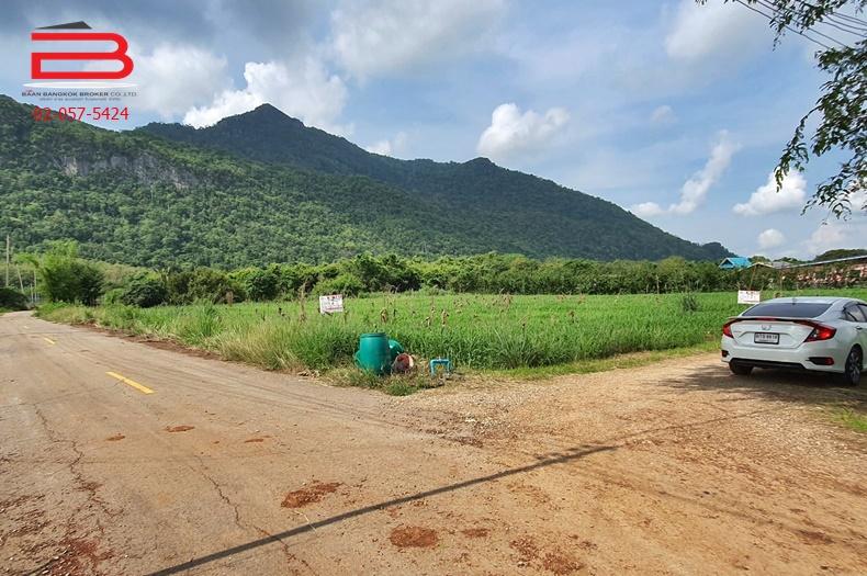 ที่ดินเปล่า 2 ไร่ แปลงมุม หลังวิวเขา สวยมาก อากาศดี ติดถนนสาธารณะ ต.กลางดง อ.ปากช่อง ใกล้วัดพระขาว